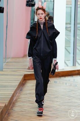 2_Prada_Resort_18.jpg