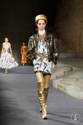 64_The_Paris-New_York_2018-19_Metiers_d_art_collection_look_64.jpg