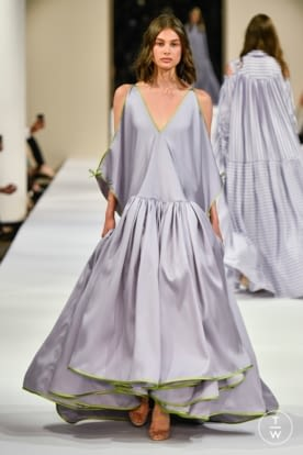 alexis_mabille_caw18_0012.jpg