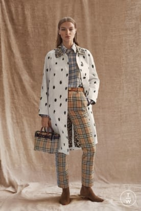 Burberry Autumn_Winter 2019 Pre-Collection WW Look 17_001.jpg