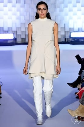 courreges_aw19_0002.jpg