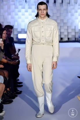 courreges_aw19_0003.jpg