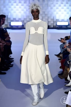 courreges_aw19_0006.jpg
