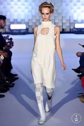 courreges_aw19_0009.jpg