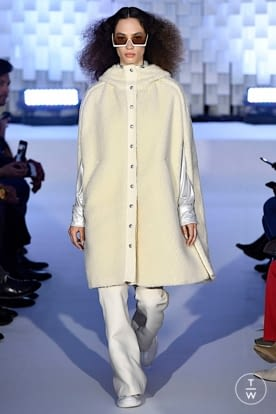 courreges_aw19_0010.jpg