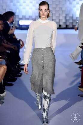 courreges_aw19_0011.jpg