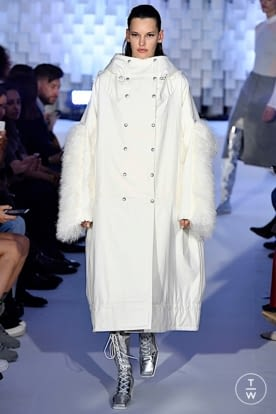 courreges_aw19_0012.jpg