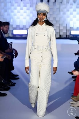 courreges_aw19_0013.jpg