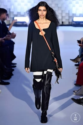 courreges_aw19_0024.jpg