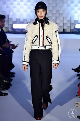 courreges_aw19_0025.jpg