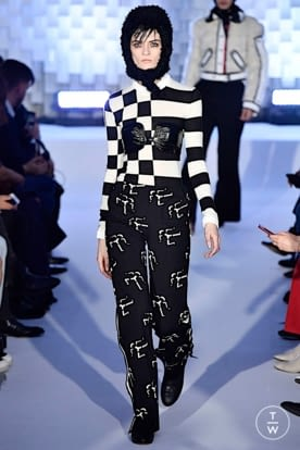courreges_aw19_0026.jpg