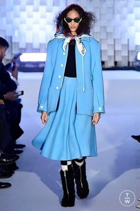 courreges_aw19_0032.jpg