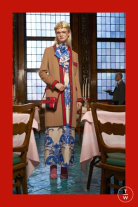 GU568_PREFALL18_LOOKBOOK_WOMENS_2732X4098px_FINAL_RGB_150 dpi_34.jpg