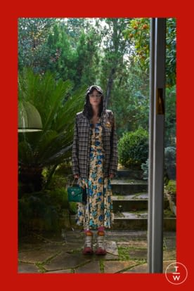 GU568_PREFALL18_LOOKBOOK_WOMENS_2732X4098px_FINAL_RGB_150 dpi_6.jpg