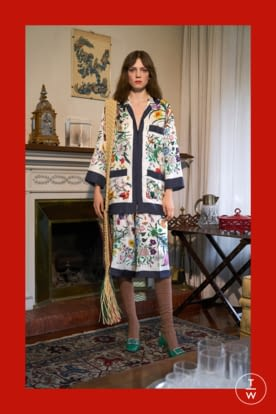 GU568_PREFALL18_LOOKBOOK_WOMENS_2732X4098px_FINAL_RGB_150 dpi_9.jpg