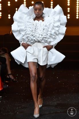 viktor_and_rolf_caw18_0012.jpg