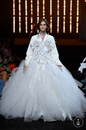 viktor_and_rolf_caw18_0013.jpg