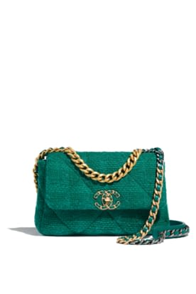 AS1160-B01646-BE325- The CHANEL 19 bag in green quilted tweed.jpg