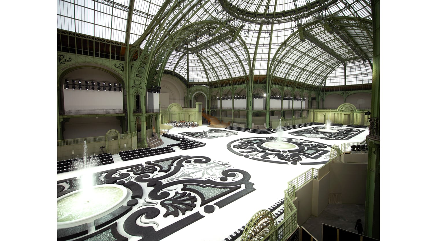 08_CHANEL_COLLECTION_PAP_PE_2011_LES_JARDINS_OLIVIER_SAILLANT_LD.jpg