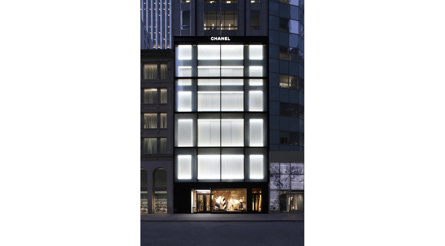 01_The_NYC_57th_street_flagship_reopening_pictures_by_Sam_Frost_LD.jpg