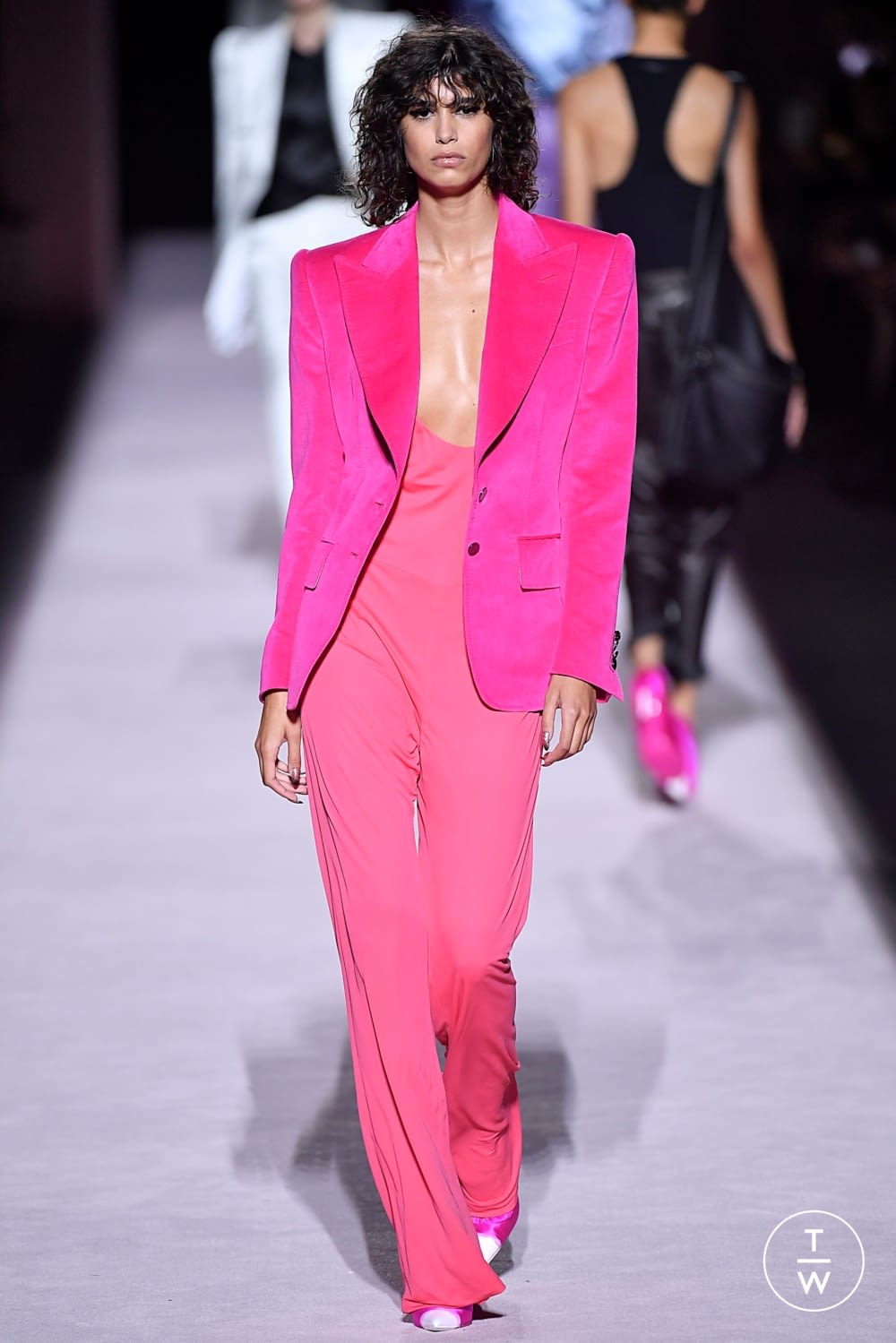 5e22ee083 Photos womenswear Tom Ford Look7 Spring/Summer 2018 | TAGWALK